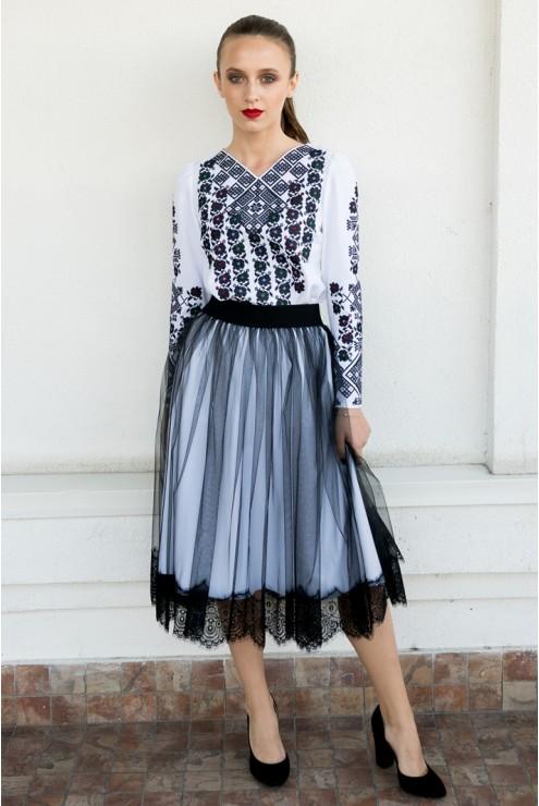 eefa41a2aa11cb купити Набір для жінки вишита блузка та спідниця 1827 ціна