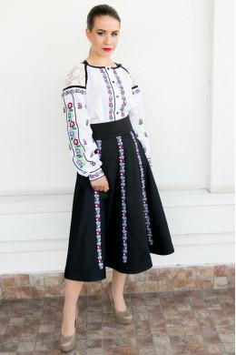 Вишиті сорочки жіночі — купити барвисту сорочку жіночу у Львові ... 4c0562f2ab8c9