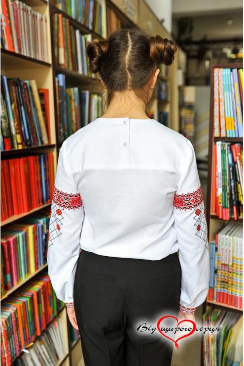Гарна вишиванка для дівчини-підлітка1909