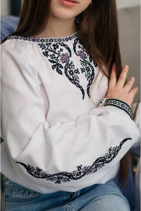 Набір вишиванок в стилі фемелі лук 2004