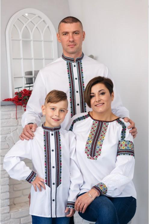 Вишиті сорочки для сім'ї 2010