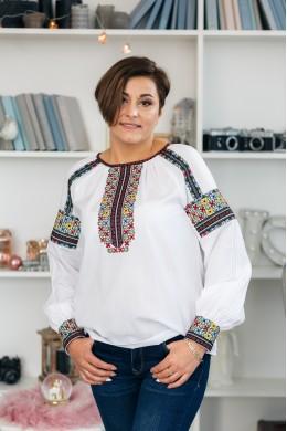 Блузка вишита жіноча 2010