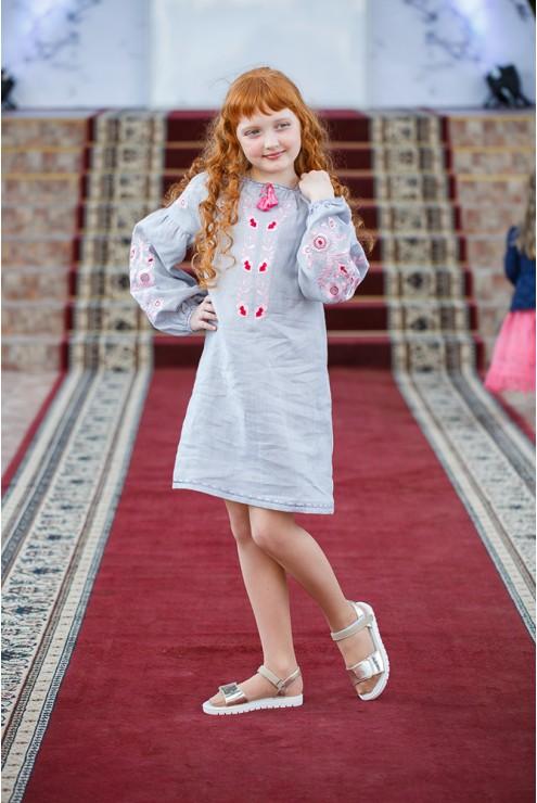 Вишита дитяча сукня Романтична